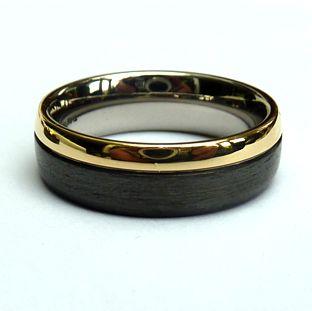 Titanringe mit gold